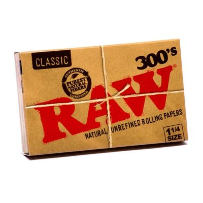 Raw Classic 300 Regular Rolling 1 1/4 Papers